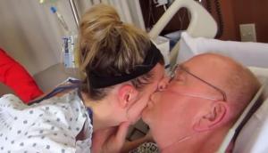 Κόρη έδωσε το νεφρό της στον πατέρα της που το είχε ανάγκη – Το βίντεο συγκινεί