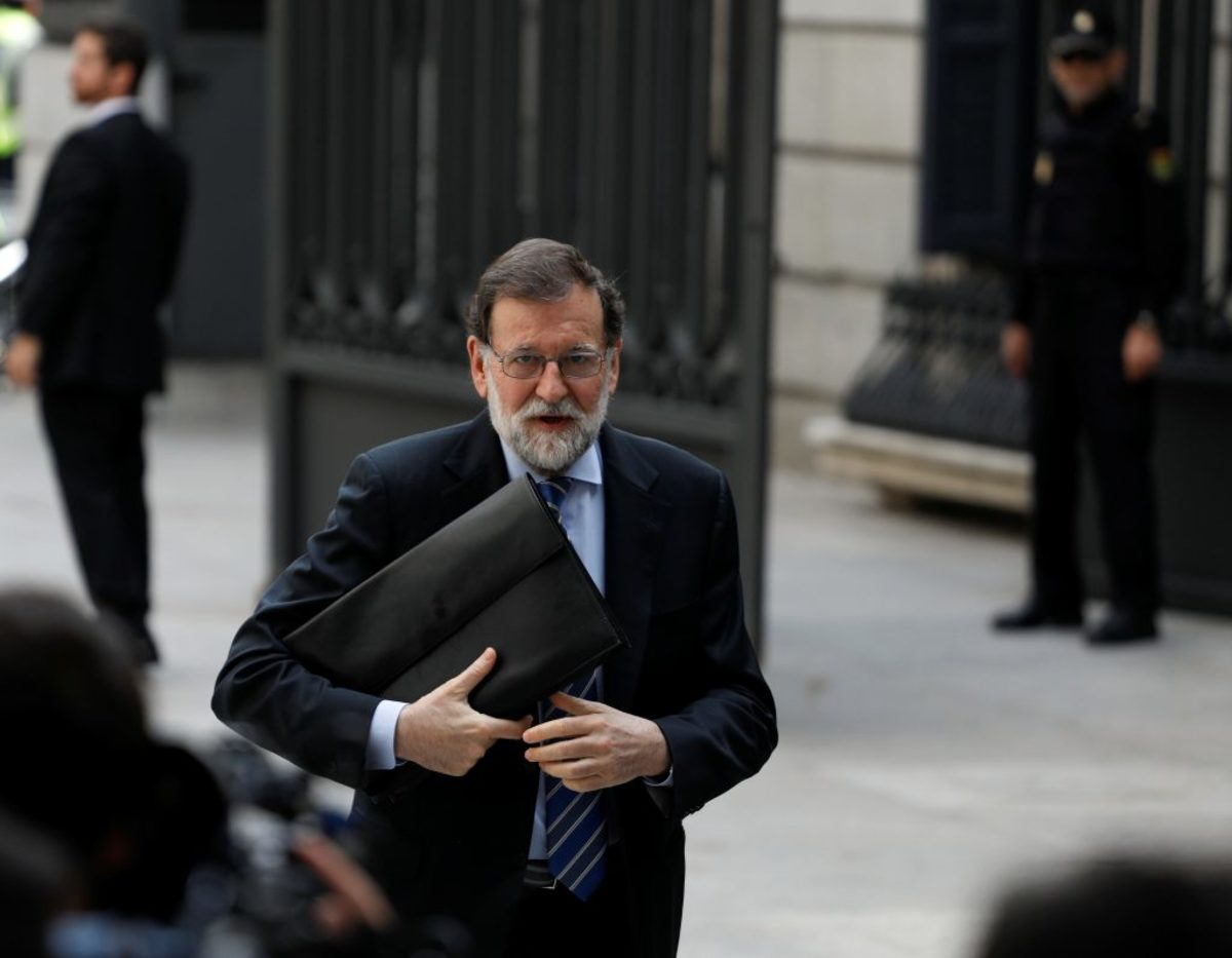 Ισπανία: Απανωτά χτυπήματα στον Ραχόι - «Ή πας σε εκλογές ή σε ρίχνουμε εμείς» το μήνυμα των Ciudadanos