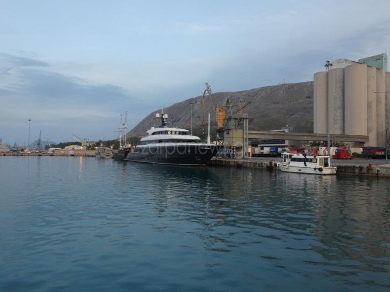 Θαλαμηγός 200 εκατομμυρίων δολαρίων στο λιμάνι της Σούδας