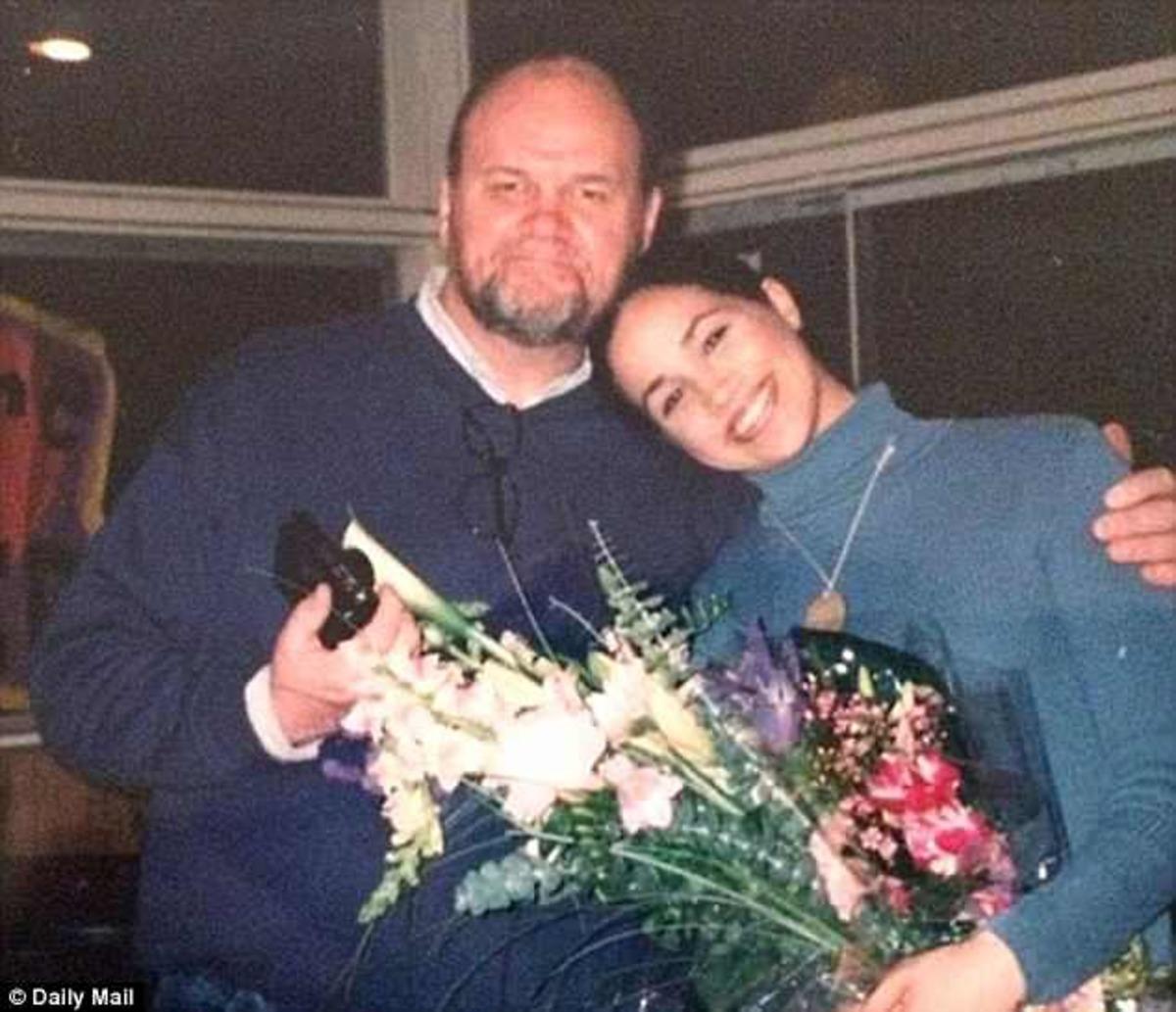 Μέγκαν Μαρκλ: Απαρηγόρητη που δεν θα την συνοδεύσει ο πατέρας της στον γάμο της με τον Πρίγκιπα Χάρι