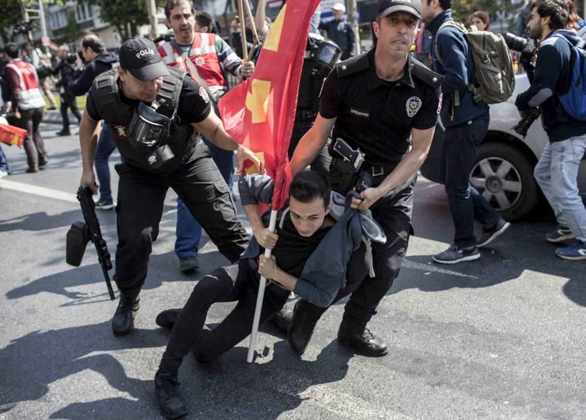 """Τουρκία: """"Όργιο"""" καταστολής και αυτή την Εργατική Πρωτομαγιά – Ξύλο σε διαδηλωτές και 84 συλλήψεις [pics]"""