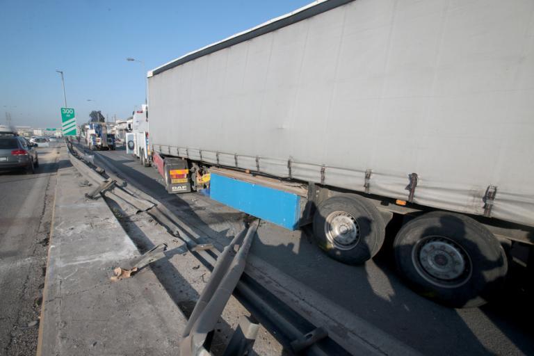 Τροχαίο στον Κηφισό: Για κακούργημα διώκεται ο οδηγός της νταλίκας – Είχε συλληφθεί ξανά να οδηγεί μεθυσμένος