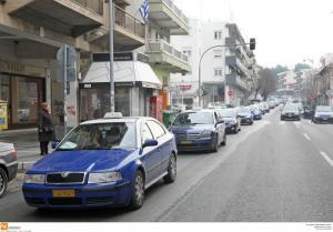 """Θεσσαλονίκη: Χωρίς ταξί η πόλη – """"Η κυβέρνηση μας εξαθλιώνει και θα ακολουθήσουν νέες απεργίες""""!"""