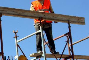 Κρήτη: Ανακαινίζουν τα σπίτια στα χωριά για να τα νοικιάσουν μέσω Αirbnb