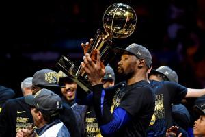 """NBA: MVP των τελικών ο απίθανος Ντουράντ! Έγραψε ιστορία ο """"KD"""" [pics, vid]"""
