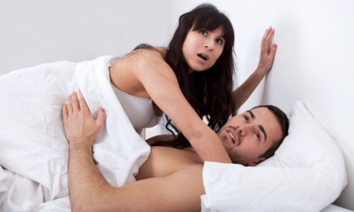 """Εγκλωβισμός πέους: Πώς γίνεται να """"κολλήσετε"""" στο σεξ – Τι να κάνετε εκείνη την στιγμή"""