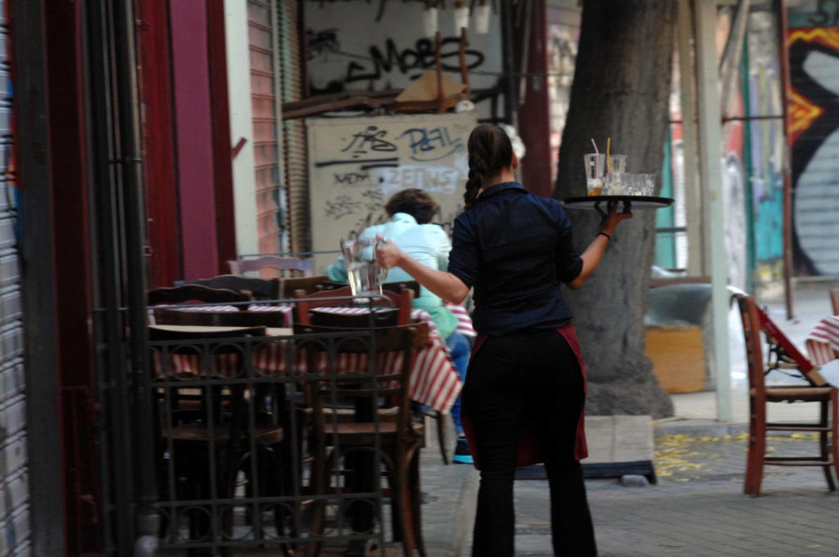 Χαλκιδική: Εφιαλτικό μεροκάματο για σερβιτόρους γνωστής αλυσίδας καφέ – Οι σκηνές που δύσκολα θα ξεχάσουν [pic]