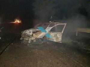 Ροδόπη: Η οδηγός του αυτοκινήτου σώθηκε από θαύμα – Βγήκε και το όχημα τυλίχθηκε στις φλόγες [pics]