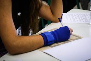 Πανελλήνιες 2018: Χαμός σε σχολείο με το απίστευτο κόλπο μαθήτριας – Μηδενίστηκε και συνελήφθη η αδερφή της!