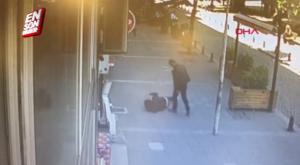 Σοκαριστικές εικόνες! Χτυπούσε την πρώην γυναίκα του στη μέση του δρόμου