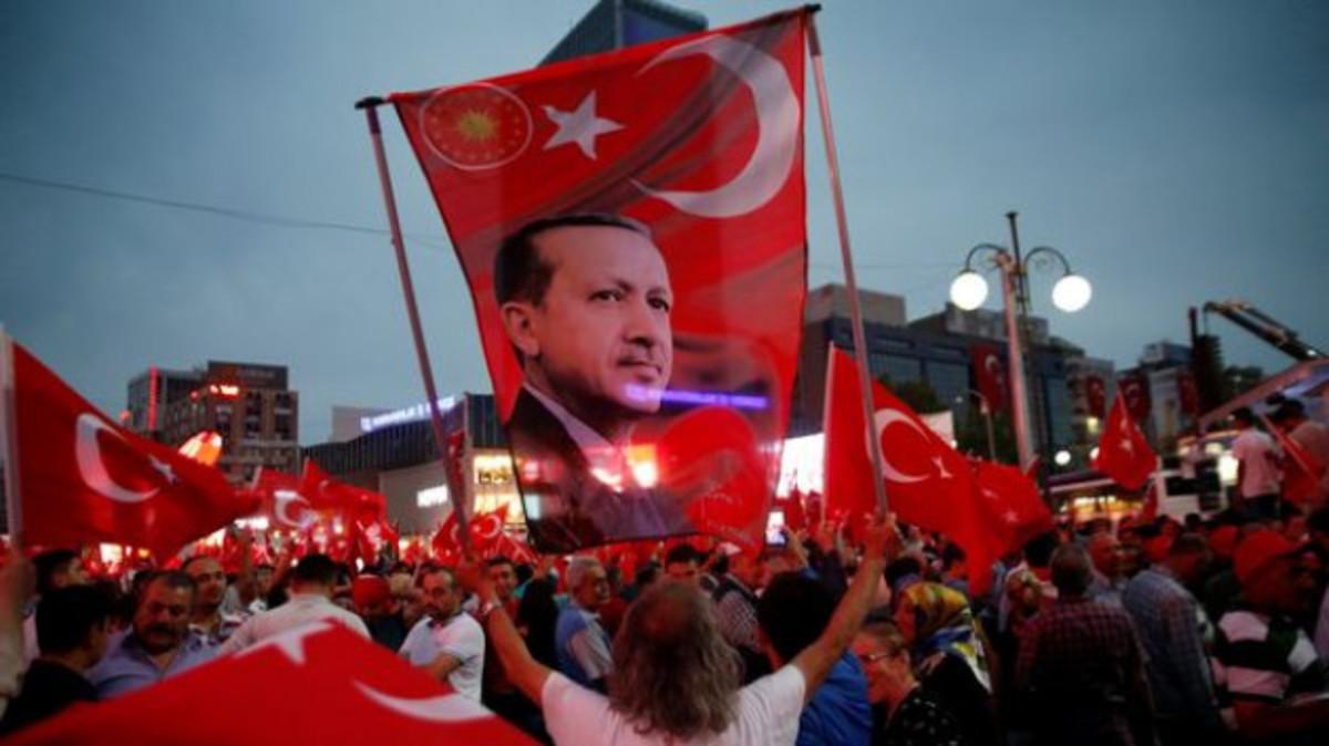 """Ο Ερντογάν φοβάται δεύτερο γύρο εκλογών και """"βλέπει"""" κυβέρνηση συνασπισμού"""