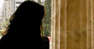 """Σάλος στα νότια προάστια – Γνωστή κυρία """"δάγκωσε"""" πολλούς επαγγελματίες"""