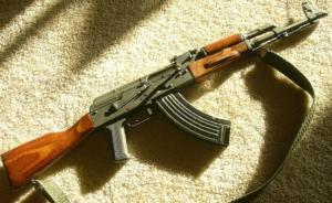 """Πυροβολισμοί στο Παλαιό Φάληρο – Μάχη στη μέση του δρόμου – Τραυμάτισαν γνωστό """"νονό"""" της νύχτας"""