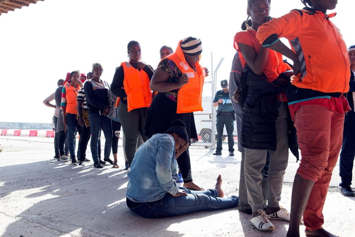 """Τι λένε ανθρωπιστικές οργανώσεις για τη συμφωνία των """"28"""" για τους μετανάστες"""