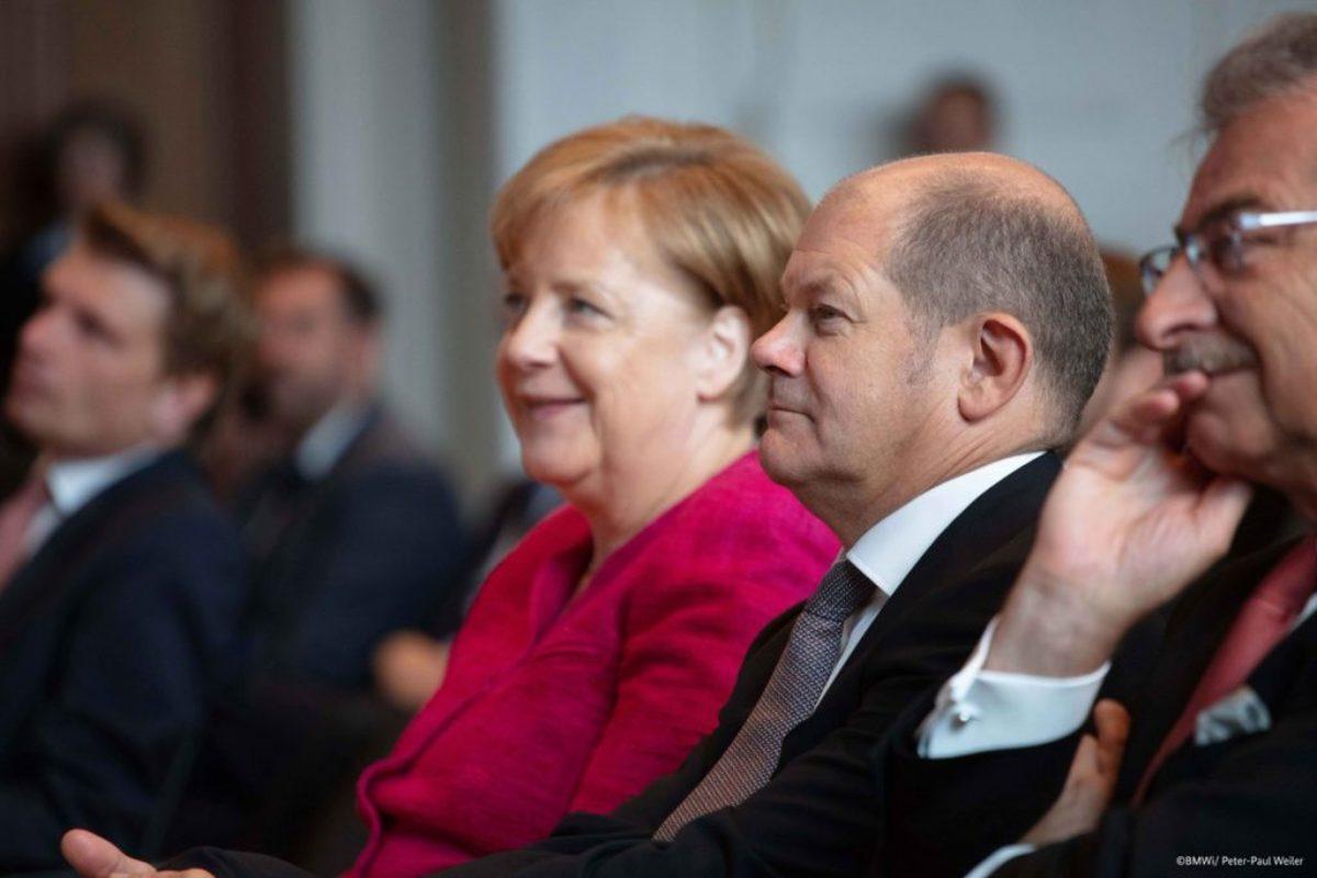 """Γερμανία: Και ο υπουργός Οικονομικών Όλαφ Σολτς συμφωνεί με την Μέρκελ για """"χάπι εντ"""" της ελληνικής κρίσης!"""