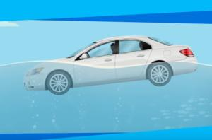 Πώς να επιβιώσετε αν το αυτοκίνητό σας πέσει στο νερό