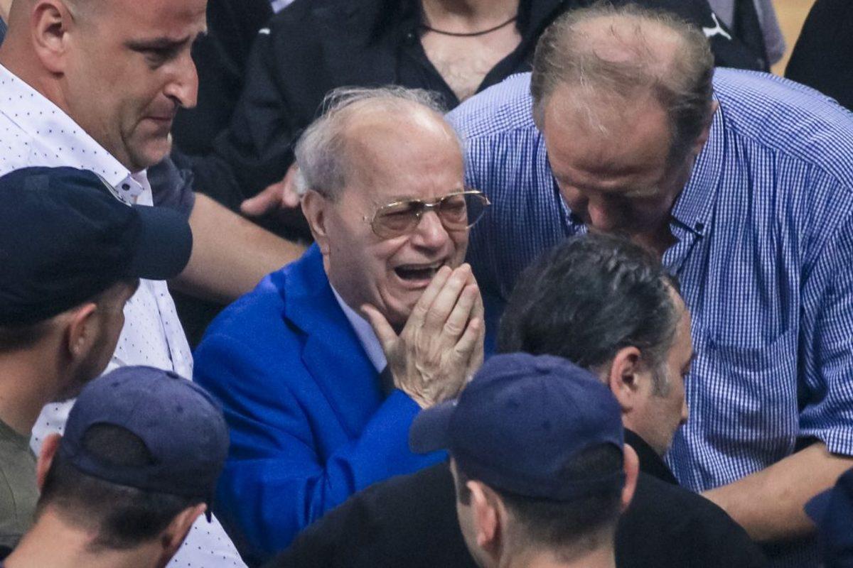Παναθηναϊκός – Ολυμπιακός: Συγκίνηση! Ξέσπασε σε λυγμούς ο Θανάσης Γιαννακόπουλος [pics]
