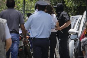 Στα δικαστήρια ο Μπαρμπαρούσης – Τον αποθέωσαν 10 άτομα