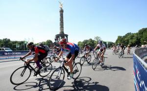 Έξυπνο μπουφάν για ποδηλατιστές – Καθοδηγεί τους αναβάτες και προειδοποιεί τους άλλους οδηγούς