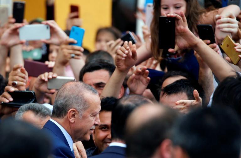 Τουρκία Εκλογές: Το έκανε… σόου ο Ερντογάν! [pics, vids]