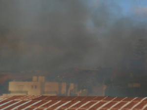 Μεγάλη φωτιά απειλεί σπίτια στα Χανιά! [pics, vids]