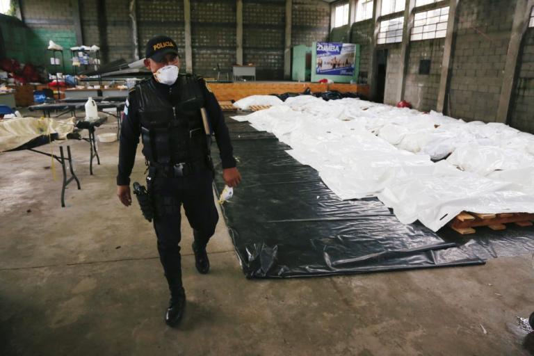 """Έκρηξη ηφαιστείου στην Γουατεμάλα – Εξοργιστική παραδοχή της αστυνομίας: """"Αργήσαμε""""! 100 οι νεκροί [pics]"""