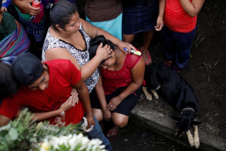 Γουατεμάλα: Έφτασαν τους 99 οι νεκροί από την έκρηξη του Φουέγο