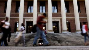Χάρβαρντ: Λευκός δικηγόρος απειλούσε να σκοτώσει μαύρους σπουδαστές νομικής
