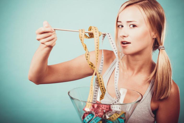 Ποιες διατροφικές διαταραχές μας ταλαιπωρούν περισσότερο και τι συμπτώματα έχουν
