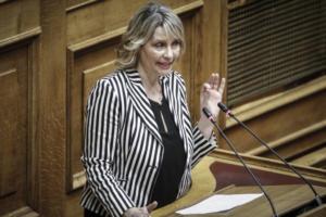 Κατερίνα Παπακώστα: Πρόταση να γίνουν κόμμα οι ανεξάρτητοι με τους τρεις πρώην χρυσαυγίτες!