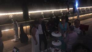 Κρήτη: Λύρες, λαούτα και χορός – Παραδοσιακός γάμος για… ζευγάρι Βέλγων! [pics]