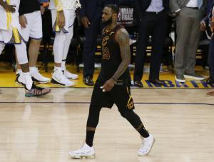 """Έγινε Βέγγος ο Λεμπρόν! Παρομοίασαν τον """"Βασιλιά"""" με τον Έλληνα ηθοποιό στο NBA"""