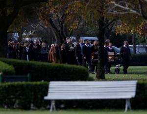 Συντετριμμένη η Βασίλισσα της Ολλανδίας στην κηδεία της αδερφής της [pics]