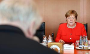Γερμανία: Κρίνονται όλα για τη Μέρκελ την Κυριακή! Δεν αποκλείει τίποτα ο (εκνευρισμένος) Ζεεχόφερ