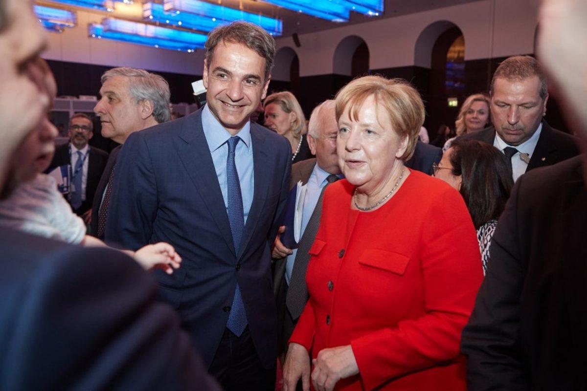 """Μητσοτάκης: Χαμογελαστός και """"θερμός"""" με την Μέρκελ! """"Θα κερδίσουμε τις επόμενες εκλογές"""""""