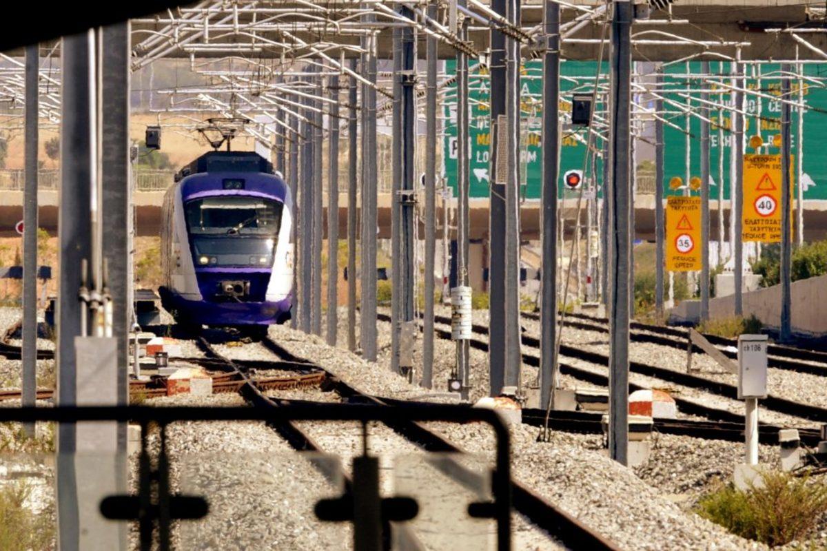 Προαστιακός τρένα στάση εργασίας απεργία