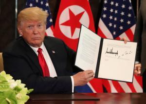 """Οι υπογραφές Τραμπ – Κιμ Γιονγκ Ουν… μίλησαν! Τι """"λένε"""" για την προσωπικότητά τους"""