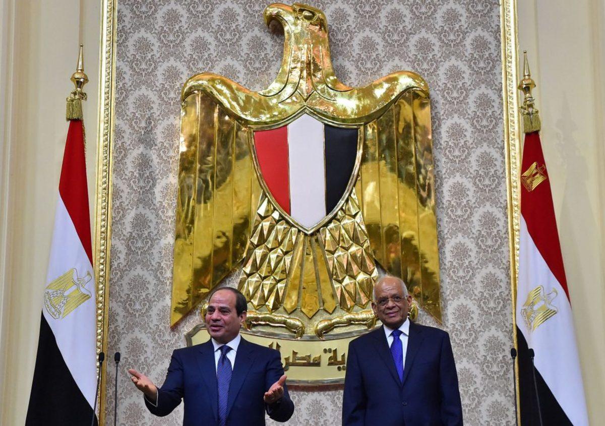 Αίγυπτος: Σε πανηγυρική ατμόσφαιρα ορκίστηκε για δεύτερη θητεία ο πρόεδρος Άμπντελ Φατάχ Αλ Σίσι