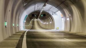 Πάτρα: Οδηγός ζήτησε βοήθεια από την αστυνομία για… να περάσει το τούνελ