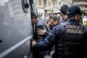 Σε στρατόπεδο κρατούνται οι 8 Τούρκοι αξιωματικοί – Φόβοι ακόμα και για απόπειρα δολοφονίας τους