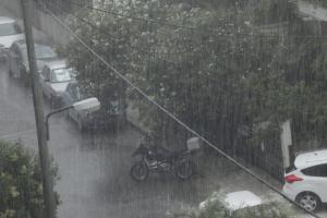 Προβλήματα στην Αττική από την ισχυρή βροχόπτωση