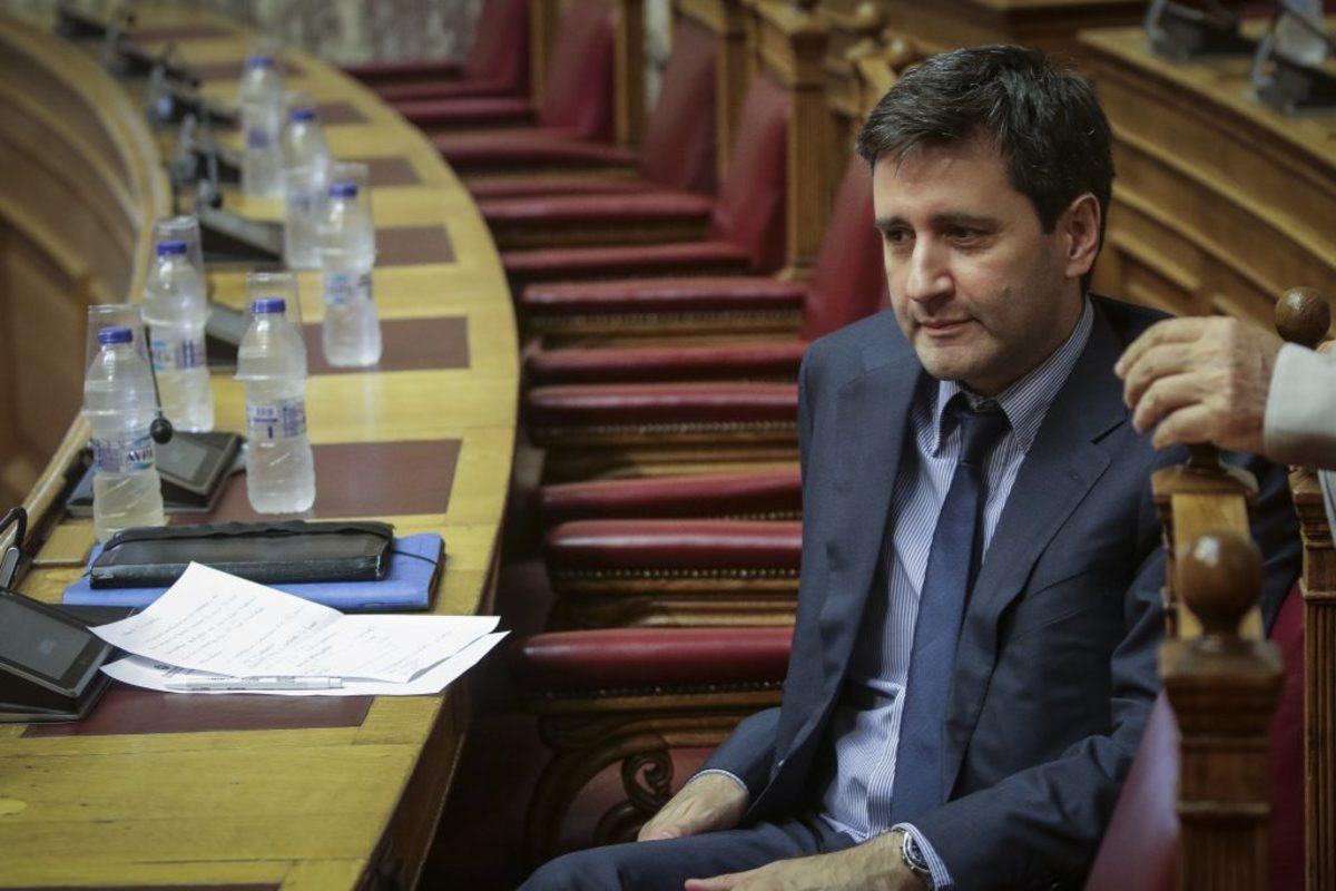Χουλιαράκης: Να μην δώσουμε πατήματα στους ξένους να αναβάλλουν την συζήτηση για το χρέος