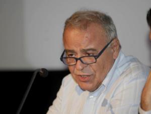 Πέθανε ο Σταύρος Τσακυράκης! Ο καθηγητής που αγωνίστηκε για τα ανθρώπινα δικαιώματα και έμεινε στην αίθουσα διδασκαλίας μέχρι το τέλος