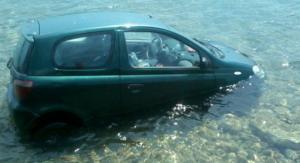Βόλος: Παππούς και εγγονή στη θάλασσα με αυτό το αυτοκίνητο – Θρίλερ στην Αγριά [pics]