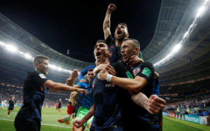 """Μουντιάλ 2018, Κροατία – Αγγλία: Ιστορική πρόκριση για τη """"Χρβάτσκα""""! Τους έκλεισε το… home – video"""