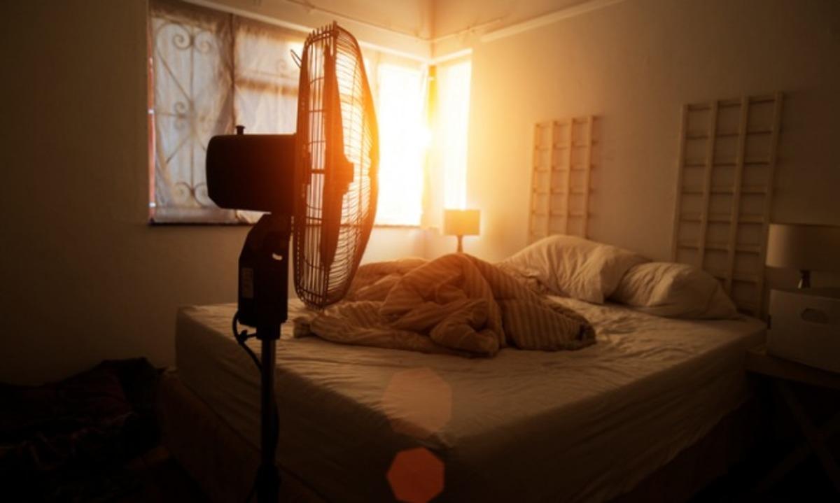 Γιατί πρέπει να ΜΗΝ κοιμάστε με τον ανεμιστήρα σε διαρκή λειτουργία - Λόγοι υγείας