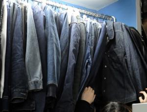 """Ρόδος: Γεμάτα με ρούχα """"μαϊμού"""" ήταν τα μαγαζιά 47χρονης – Τρεις συλλήψεις"""