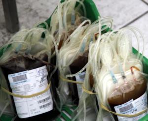 Λάρισα: Πρόσφυγες έδωσαν αίμα για τους πυρόπληκτους της Αττικής – Το συγκλονιστικό τους μήνυμα