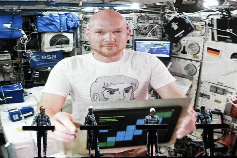 Αστροναύτης έκλεισε τη συναυλία των Kraftwerk από το διάστημα