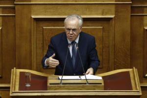 Βουλή – Δραγασάκης: Εμείς βάζουμε τα θεμέλια για ένα καλύτερο μέλλον και η ΝΔ προωθεί τη μιζέρια